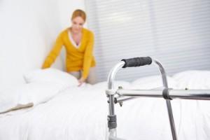 Stationäre Pflege - Wir erklären den Unterschied zwischen vollstationärer- und teilstationärer Pflege.